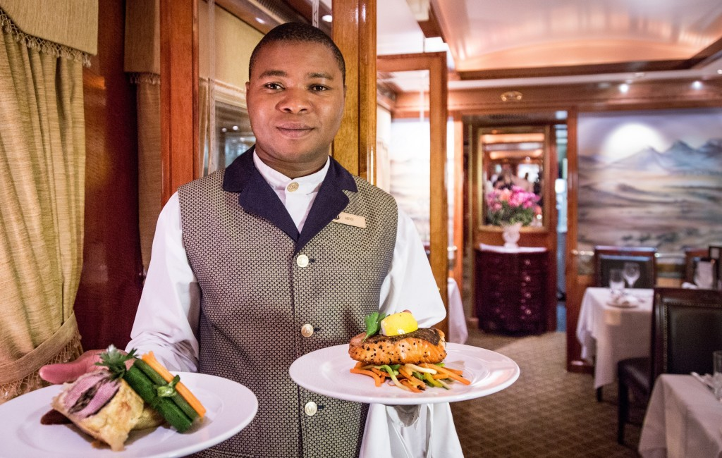 Dinner-on-the-Blue-Train-South-Africa