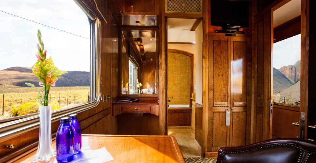 A-luxury-suite-the-Blue-Train-South-Africa.