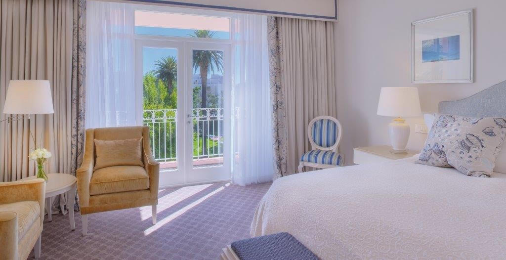A-deluxe-room-at-Belmond-Mt-Nelson