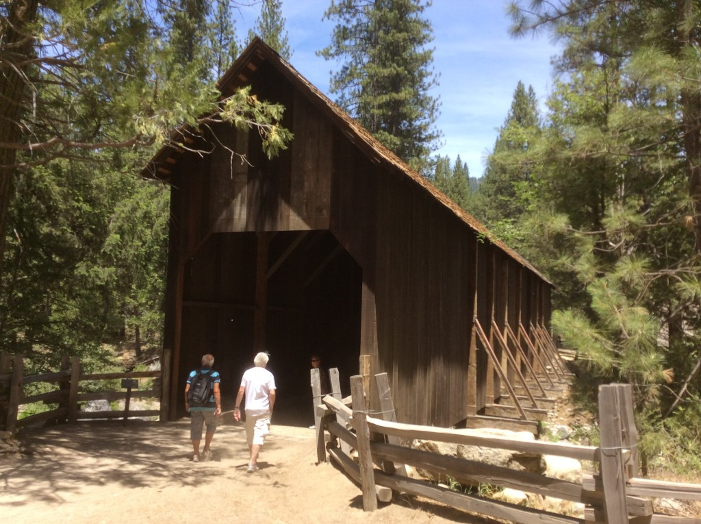 The-covered-bridge-at-Wawona-Yosemite-National-Park-USA