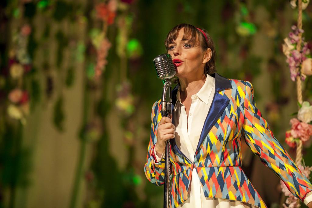 Abi Tucker sings in As You Like It. Image ®Rush.