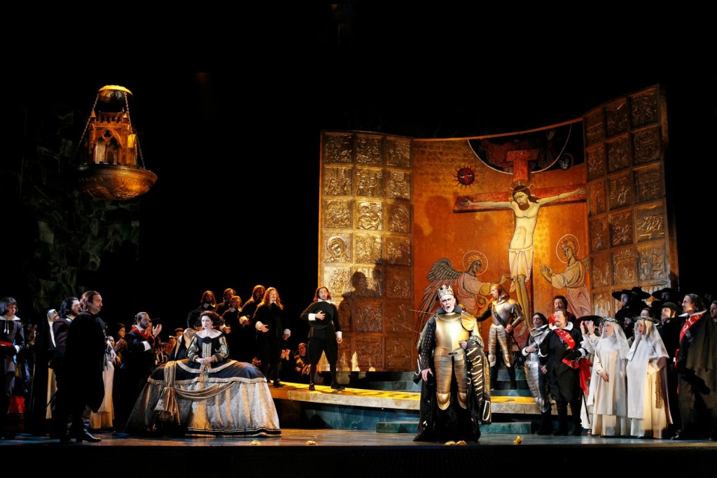 The cast of Don Carlos. Image Jeff Busby.
