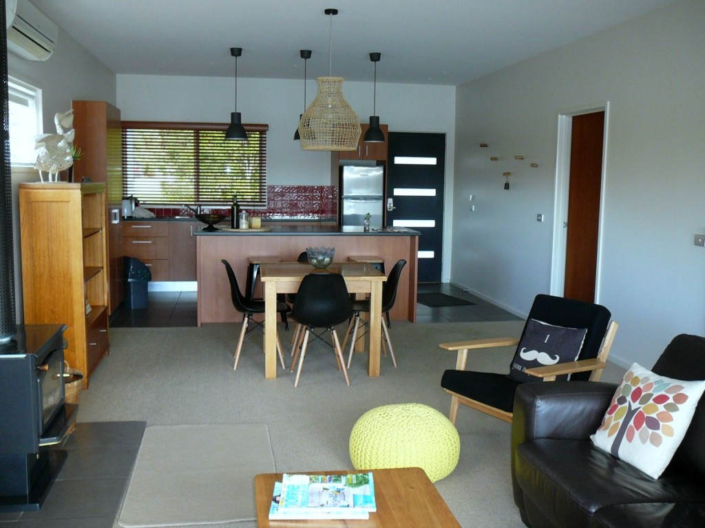 The living area at Lakeside Villas