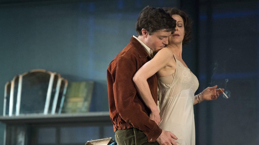 Tom Burke and Helen McCrory in the Deep Blue Sea.