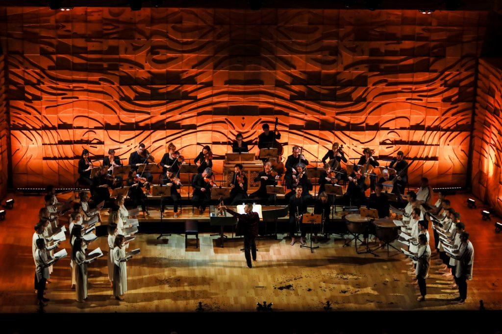 The Australian Brandenburg Orchestra and Choir in action.